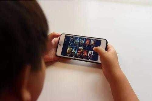 初二孩子爱玩手机游戏怎么办